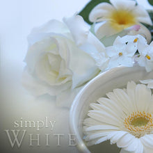 Load image into Gallery viewer, White Scented Soy Candle - Vida Style