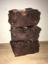 Load image into Gallery viewer, Fudgy Chocolate Chunk Brownies