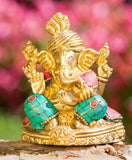Ganesha assis avec incrustations en couleurs, 8cm