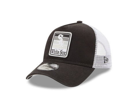 Chicago White Sox Gradient Black/White Trucker 9FORTY Adjustable Hat