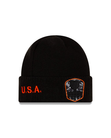 Chicago Bears New Era Black 2019 NFL Sideline Official Salute To Service Sport Knit Hat