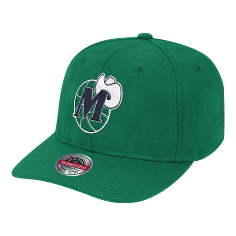 Mens NBA Dallas Mavericks Green Team Ground Stretch Snapback Hat By Mitchell And Ness