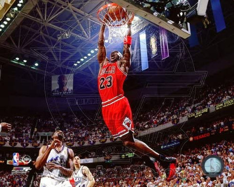 Chicago Bulls Michael Jordan 8x10 1996-97 Dunk Photo