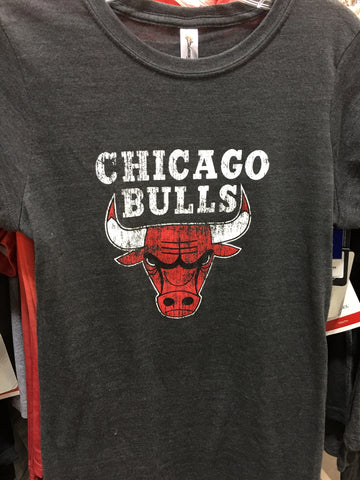 Womens Chicago Bulls Distressed Logo Tee - Charcoal