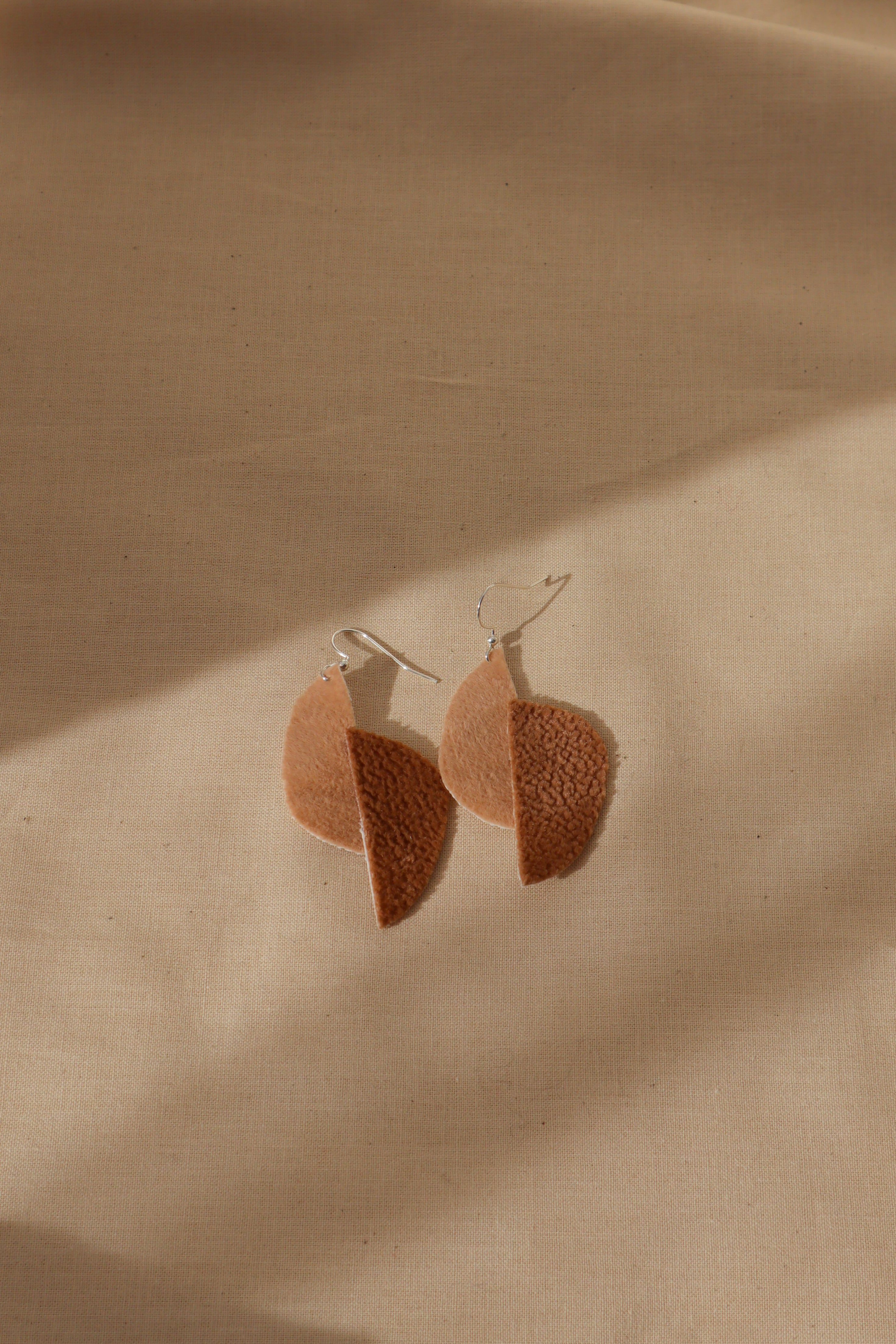 Milla earrings abstract pears in light browns
