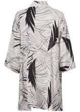 Load image into Gallery viewer, Josslyn 3/4 sleeve Jacket in White Print Jacket Masai
