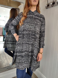 Nala Long sleeve Dress in Black Dress Masai
