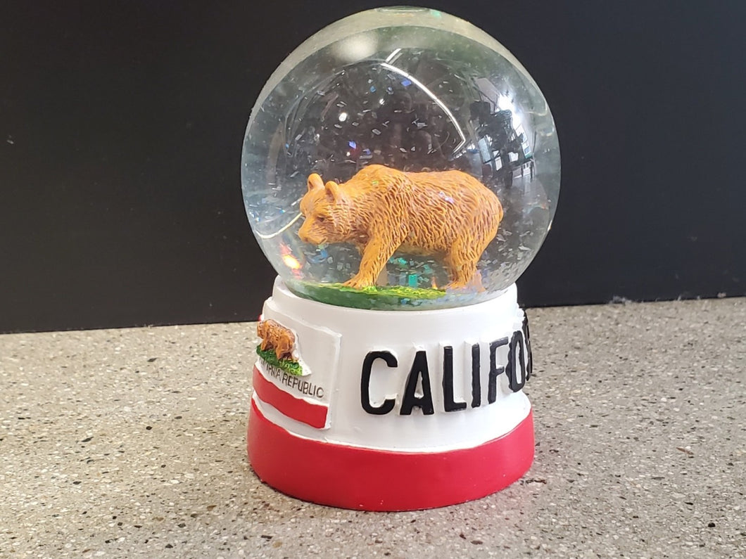 Cali Flag Bear Globe