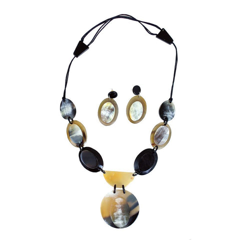 Horn Pendant Necklace Set