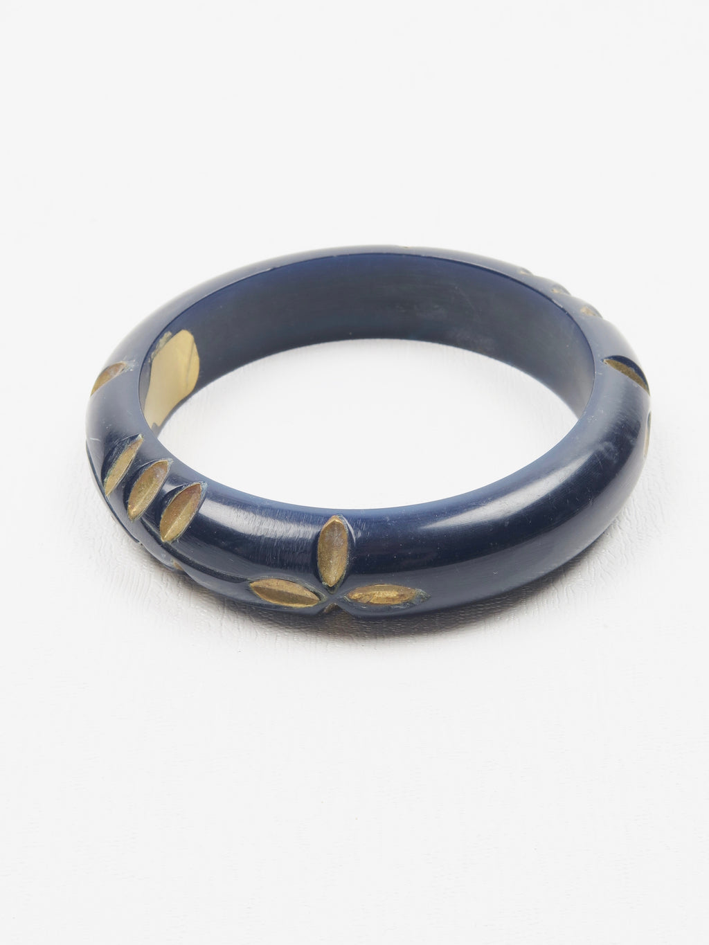 Navy Wooden 70s Carved Bangle