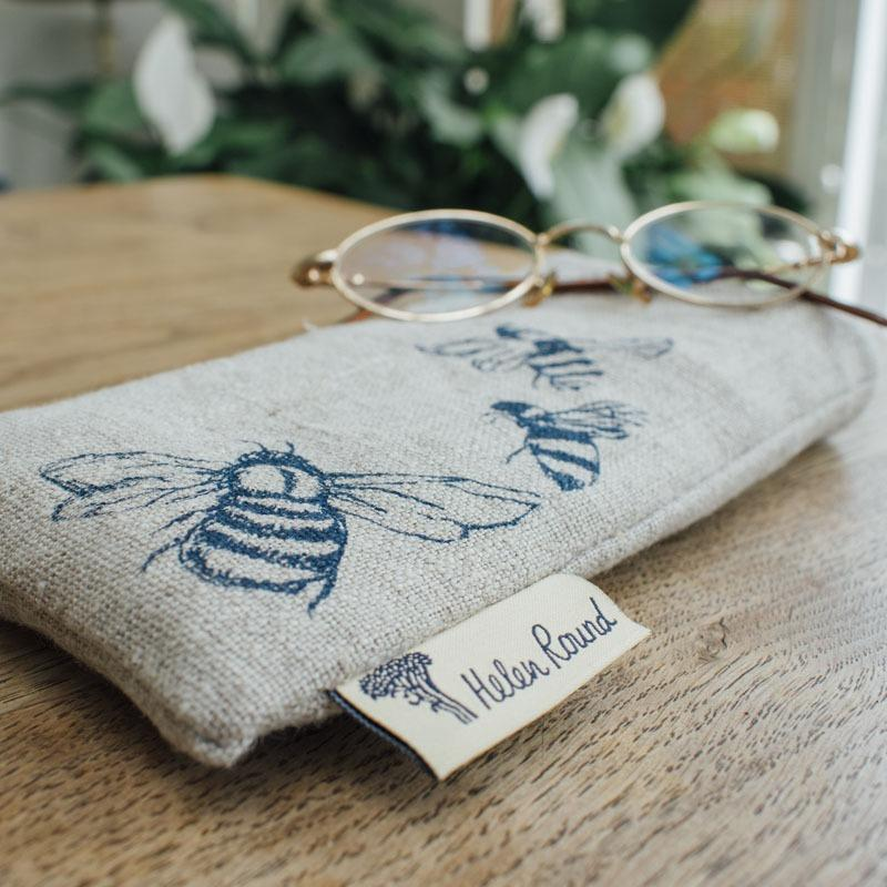 linen bee glasses case with bees