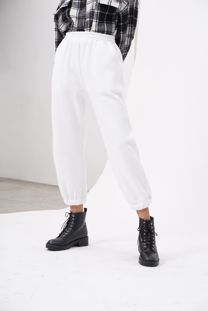 [PREORDER] Don't Sweat It Essential Jogger Pants - White