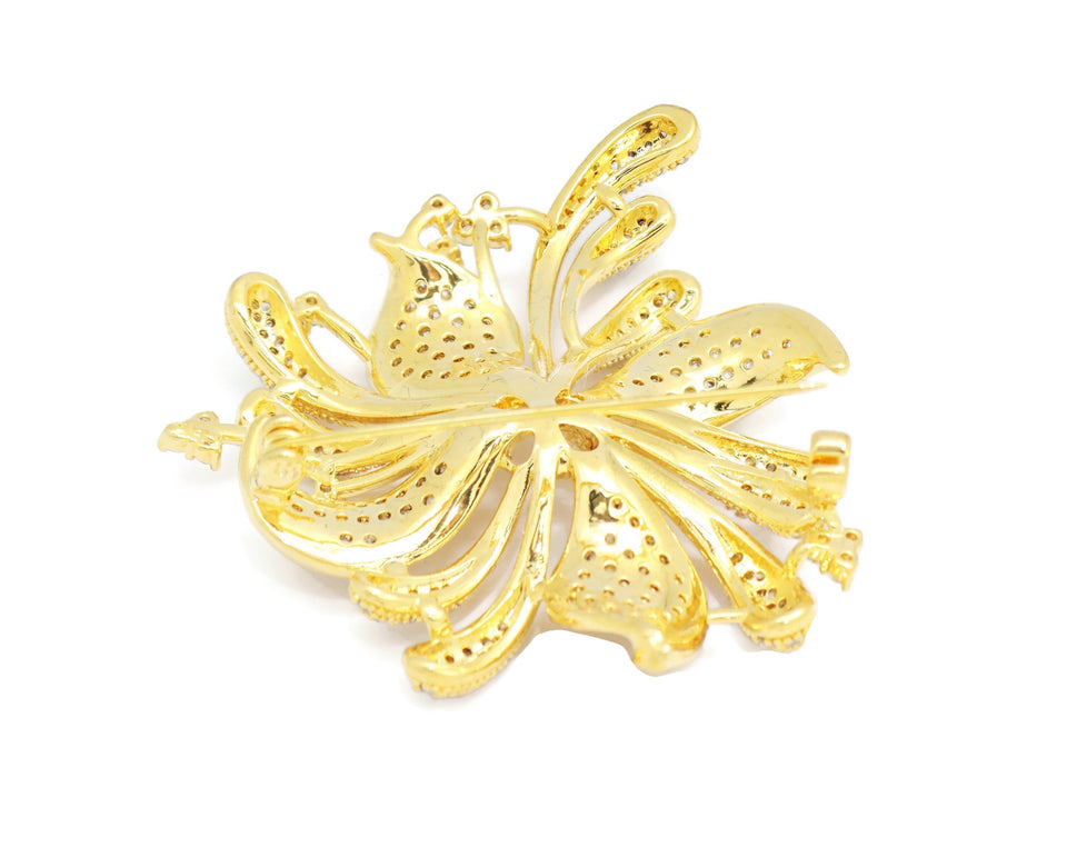 18kt Flower  Design Sweet Brooch Jewelry