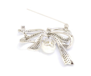 Textured Bow Brooch In Rhodium Plating,