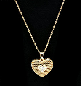 18kt Heart Fashion Pendant   Cubic White stone setting