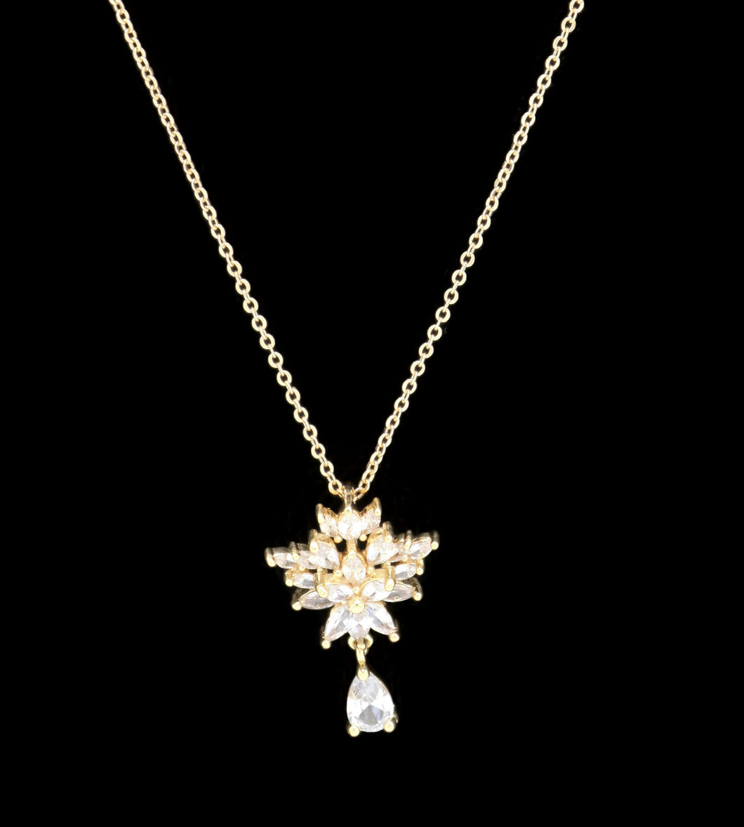 Unique flower Design Pendant Necklace  18K Gold Plated