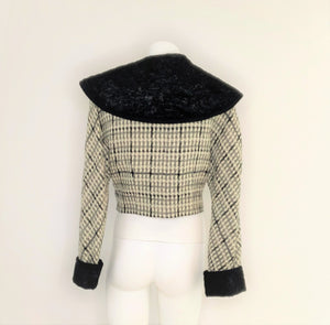 Short Tweed Coat with faux fur Collar