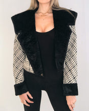 Load image into Gallery viewer, Short Tweed Coat with faux fur Collar