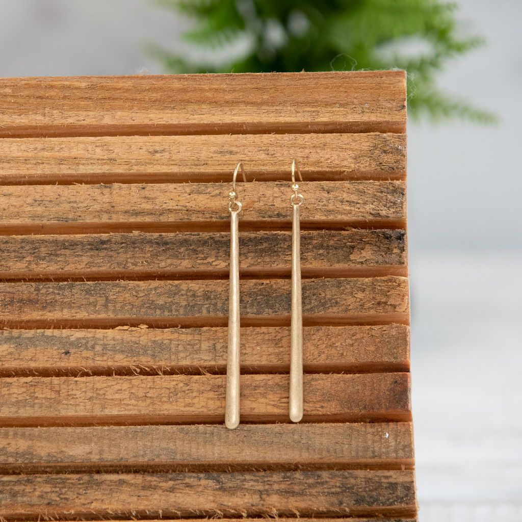 Hannah Long Bar Dangle Earring. Available in Silver or Gold.