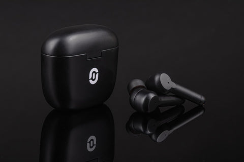 black-wireless-ai-powered-earbuds