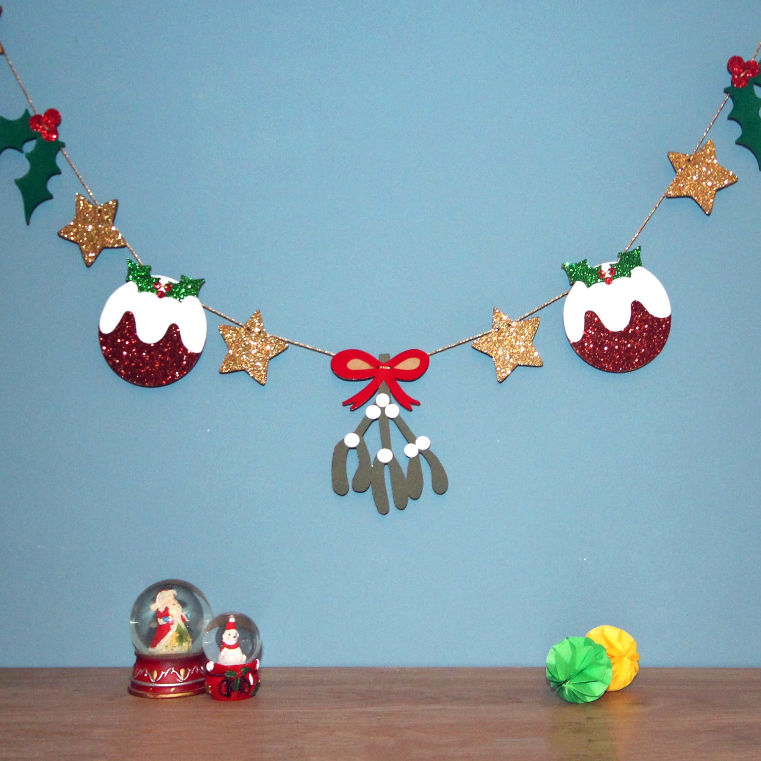 Sparkly Christmas garland or bunting