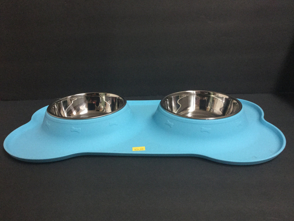A & T - Super Bone Placemat with a Double Stainless Bowl