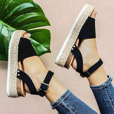 Adjustable platform sandals with buckle