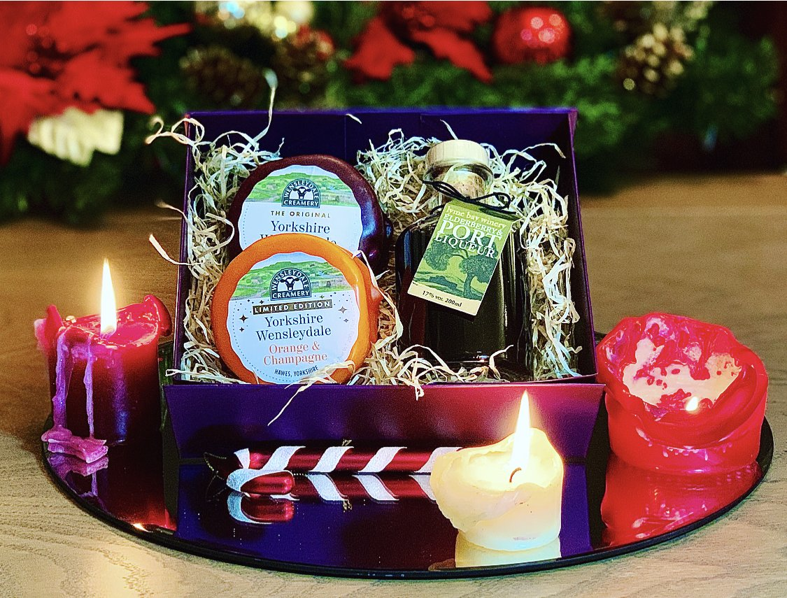 Fruit Wensleydale & Liqueur Gift Box 400g (cheese weight) - Celebration Cheeses