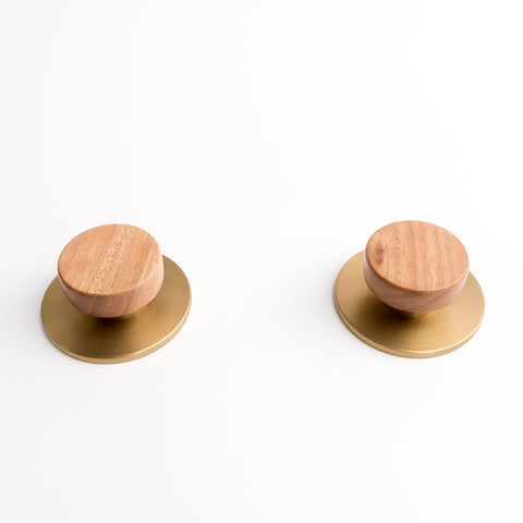 Lily round timber disc taps