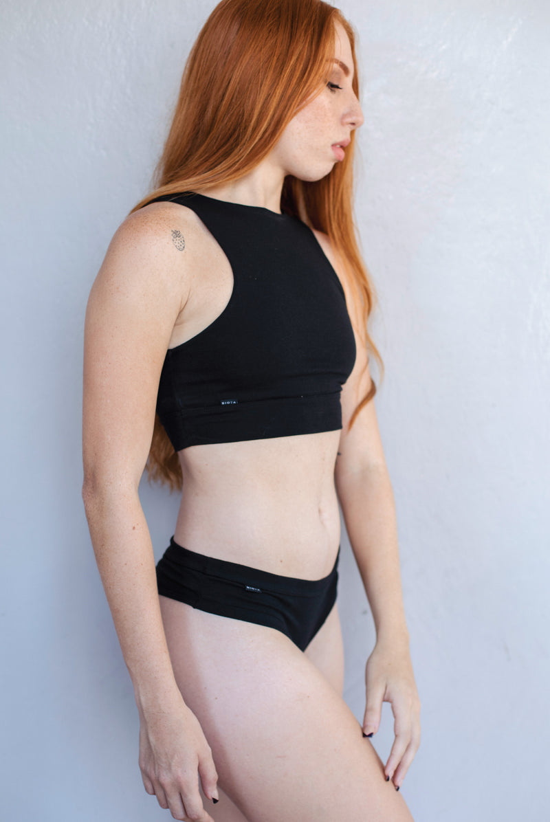 Caoba Crop Top Negro