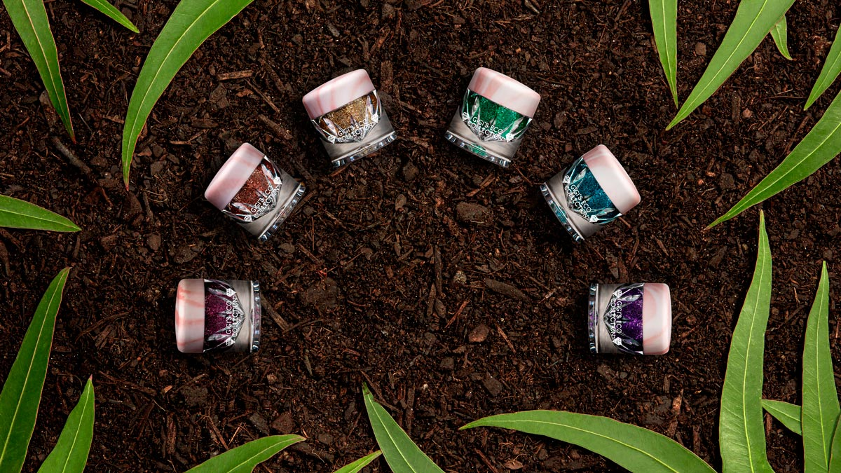 Biodegradable Glitter in Soil with Eucalyptus Leaves - Gigi's Eco Collection