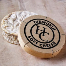 Load image into Gallery viewer, Tunworth English Camembert