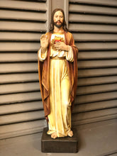 Load image into Gallery viewer, Sacred Heart Statue