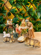 Load image into Gallery viewer, Nativity 8 Piece Set - Detachable Infant