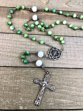 Load image into Gallery viewer, Rosary * Green Bead