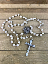 Load image into Gallery viewer, Rosary * Prayer Petition Locket/ Pearl