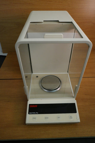Ohaus Analytical plus AP210