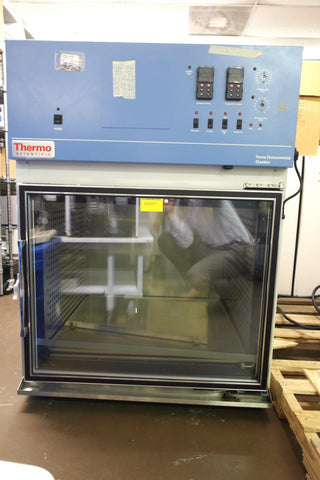 Thermo Scientific Forma 3911 Environmental Chamber