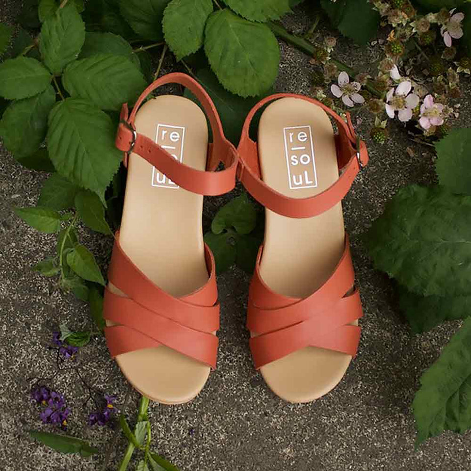 re-souL Jill clog in coral.