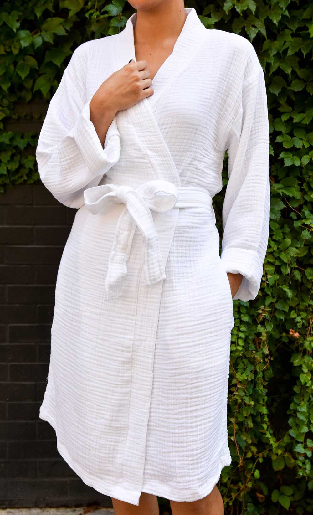 Olive & Loom Spa Robe - White - re-souL