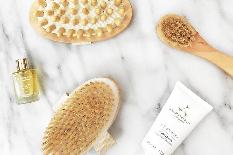 DRY BRUSHING 101 WITH NATALIE BETZER