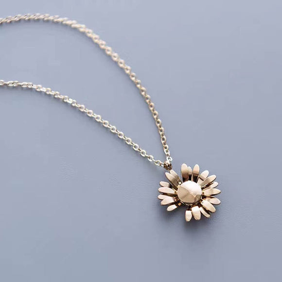 "7-Degrees Exclusives Stainless Steel Necklace ""Daisy"""