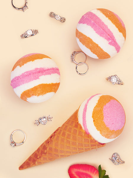 Strawberry Vanilla Swirl Bath Bomb - Classic Ring Collection
