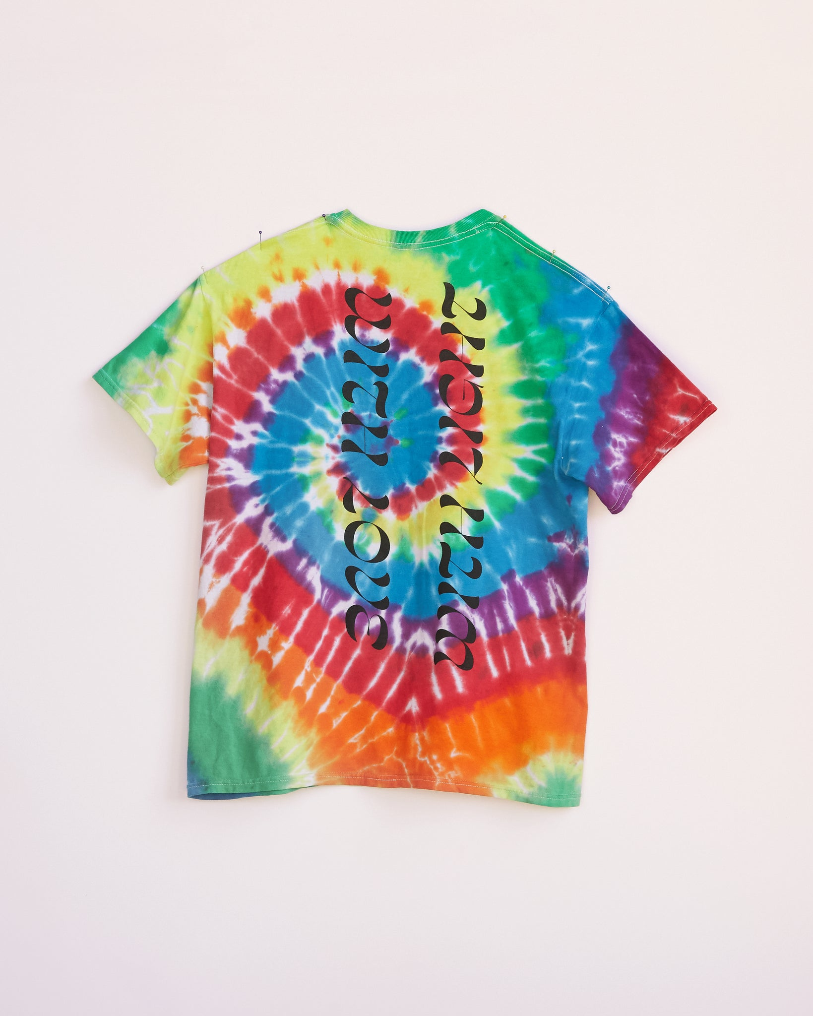 SMARTER THAN A HARE TIE DYE BLAST OVER SHIRT - S