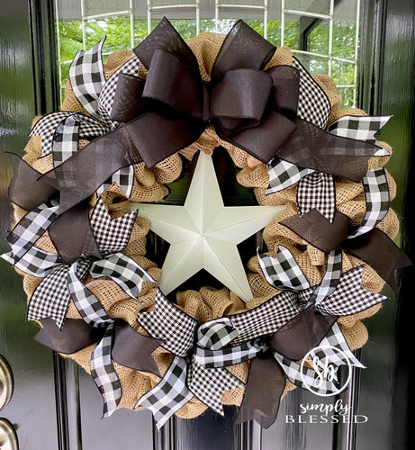 Farmhouse Star Black and White Buffalo Plaid Burlap Wreath - COUNTRY SAMPLER magazine - Simply Blessed