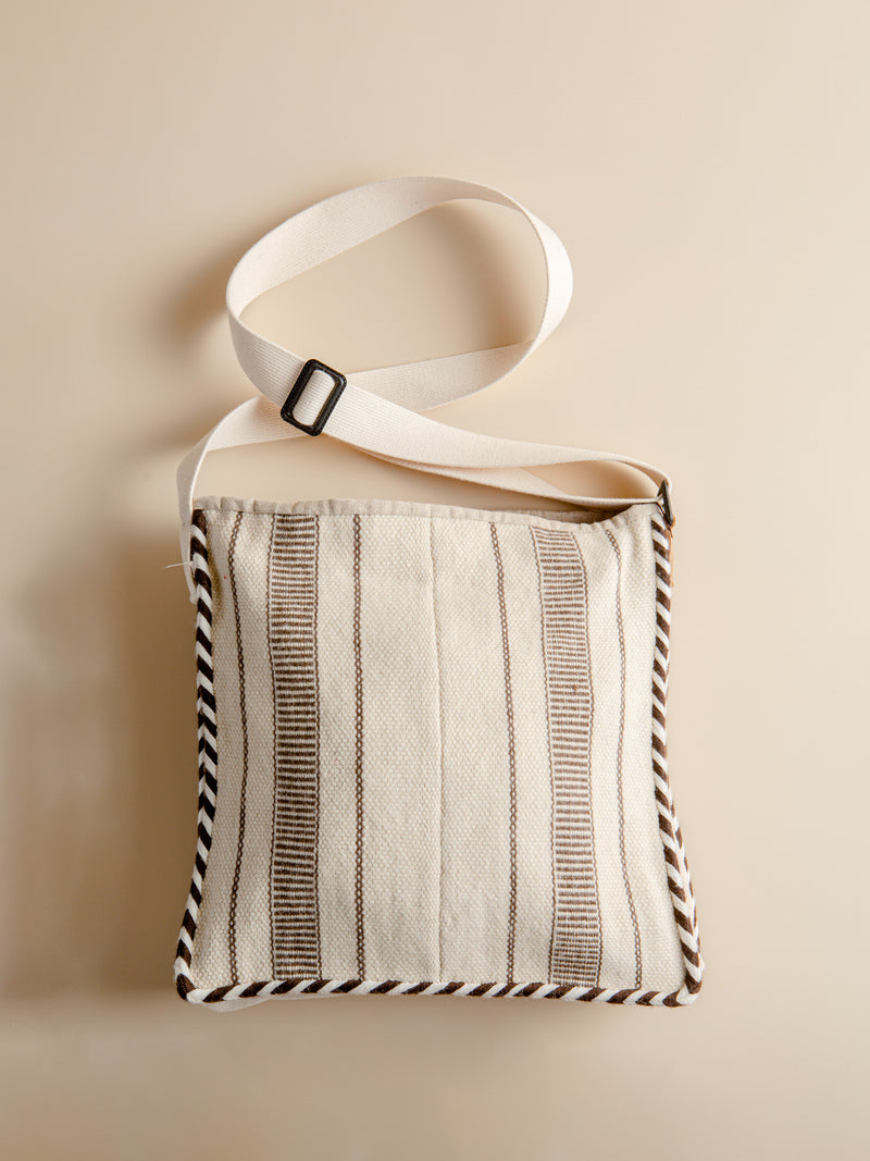 The minimalist style crossbody bag is hand-woven from sheep wool, which is the best romantic gift for lovers.