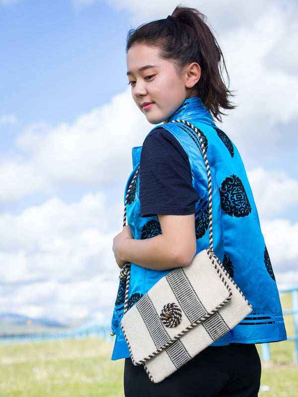 Sheep Wool shoulder bag, traditional Hand Braided Rope, a holiday gift for family.