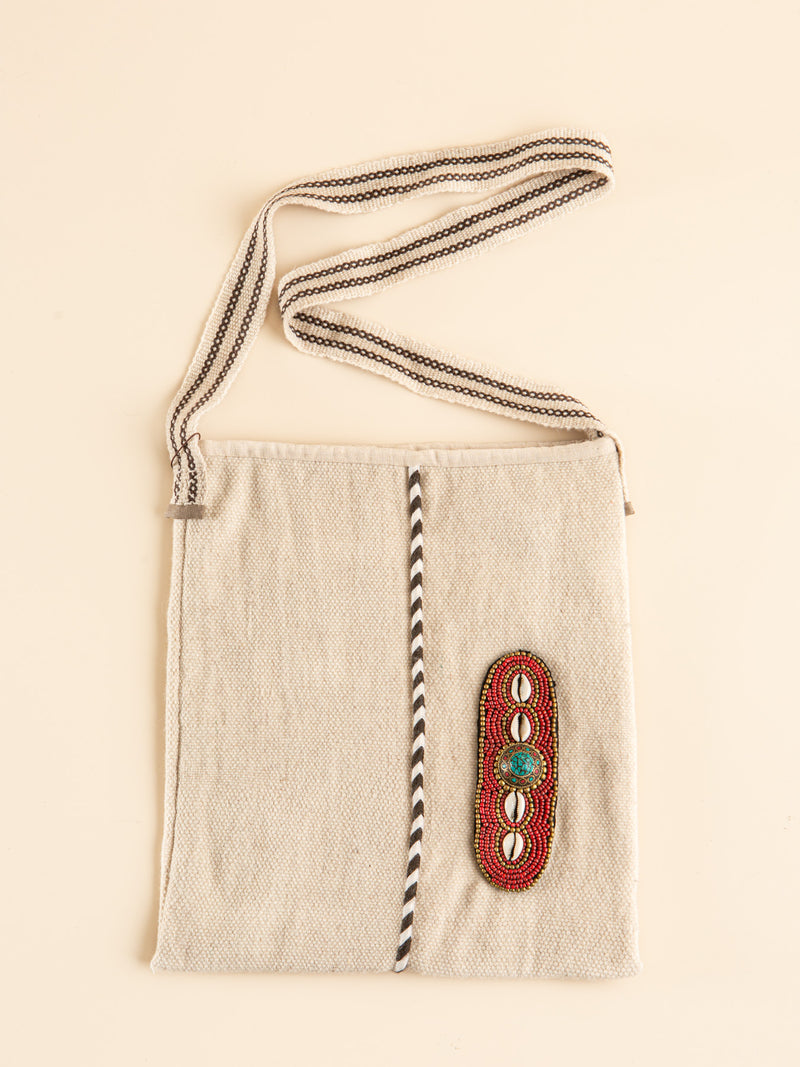 Minimalist style handmade bag, simple and practical, it is essential for your work and play.
