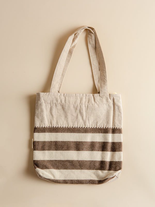 Traditional handmade tote bag, minimalist style, it is a must-have for your work or leisure.