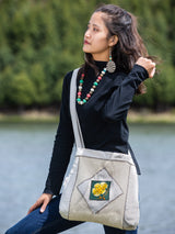 Minimalist style handmade bag, simple and practical, is a must-have for your work and play.